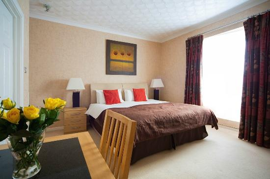 ashburnham-hotel-room